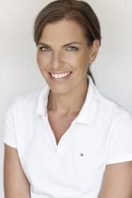 Dr. Julia Vonholdt